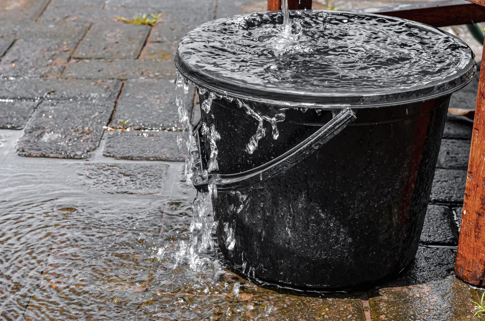 Overflowing bucket